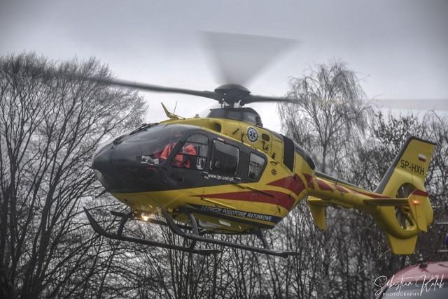 W czwartek, 4 lutego krotoszyńscy strażacy zostali wezwani na pomoc do 2-letniego dziecka. Chłopiec przebywał w domu, był przewlekle chory i był podłączony do respiratora. Na miejscu lądował śmigłowiec LPR. Dziecka nie udało się uratować.Czytaj więcej w artykule.Zdjęcia z akcji --->