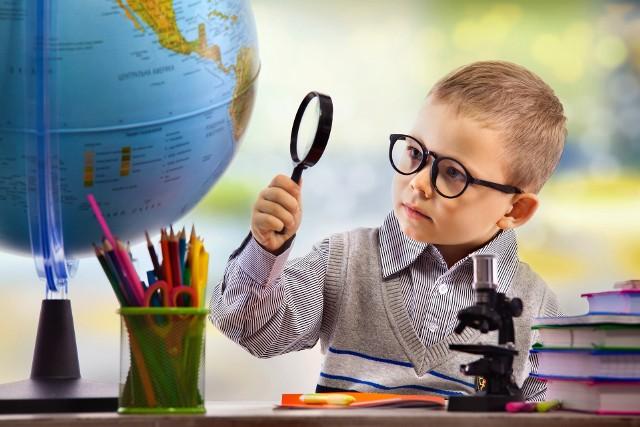 Czasem na błahe pytania nie możemy znaleźć odpowiedzi, zwłaszcza gdy zaskoczy nas nim dziecko. Sprawdź, co nurtuje najmłodszych – przyroda naprawdę potrafi być fascynująca. Wiesz to wszystko?Sprawdź, o co pytają dzieci i jak odpowiadać ---->