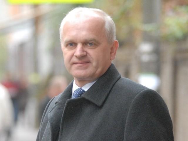 Władysław Dajczak wrócił do poprzedniego zajęcia. Pracuje jako jeden z szefów przedsiębiorstwa gospodarki komunalnej w Strzelcach Kraj.