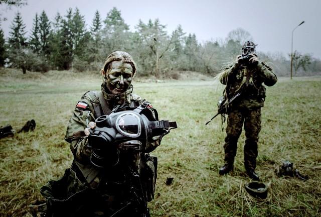 Zdecydowana większość Pań pełni terytorialną służbę wojskową, ale są też żołnierzami zawodowymi
