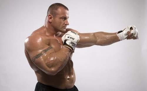 Mariusz Pudzianowski nie tylko przegrał swoją walkę z Timem Sylvią. Przepłacił ją także złamaną nogą.