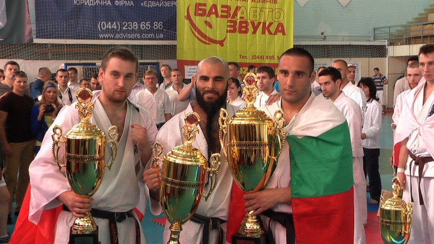 Patryk Sypień (z lewej) zdobył pierwszy medal seniorskich ME