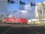 W Bydgoszczy kierowcy wciąż ryzykują - przejeżdżają na czerwonym świetle
