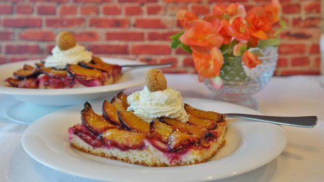 Proste przepisy na ciasto owocowe.