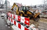 Trwa budowa ronda w centrum Żar. Zobacz jak idą prace i jakie są utrudnienia