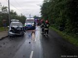 Dramatyczny wypadek w Gołkowicach. Wyleciał volkswagenem z zakrętu, odbił się od chevroleta i wpadł do rowu.