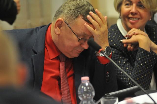 W czasie sesji powiatu gorzowskiego wyłonione nowe władze rady powiatu i starostwa.