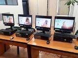 """30 komputerów dla potrzebujących uczniów od """"Dziennika Bałtyckiego"""" i Portu Gdynia.  Kampania #dzielmysiędobrem"""
