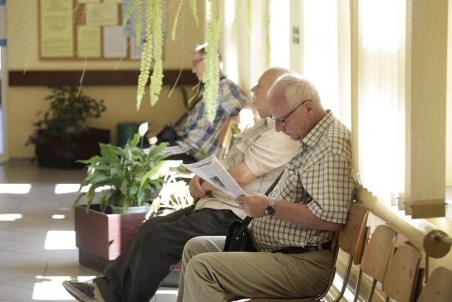 """Pomysł zmian w emeryturach i wprowadzenia emerytur stażowych popiera """"Solidarność"""". Andrzej Duda wspomniał o emeryturach stażowych w wywiadzie dla """"Wprost""""."""