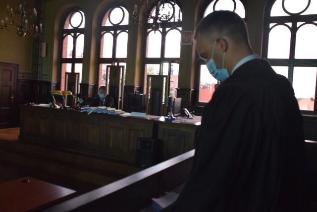 Wyrok nie jest prawomocny. Oskarżeni nie pojawili się podczas jego odczytania.