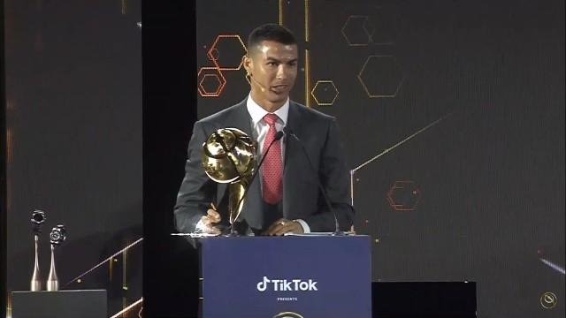Ronaldo Piłkarzem Epoki, Lewandowski Piłkarzem Roku