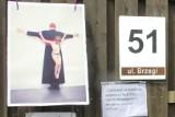 Protest przeciw pedofilii w Kościele przed gdańską rezydencją abp. Głódzia. Sąd uniewinnił działaczkę