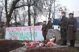 Dzień Żołnierzy Wyklętych w Malborku [ZDJĘCIA]. Przemarsz ze skweru na rondo