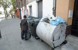 Wypowiedzą umowę na wywóz śmieci na Bałutach? [FILM]