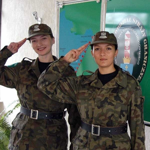 Służba na granicy przestała być męską domeną. Od lewej: szer. Anna Fedyk i szer. Renata Czerwińska.