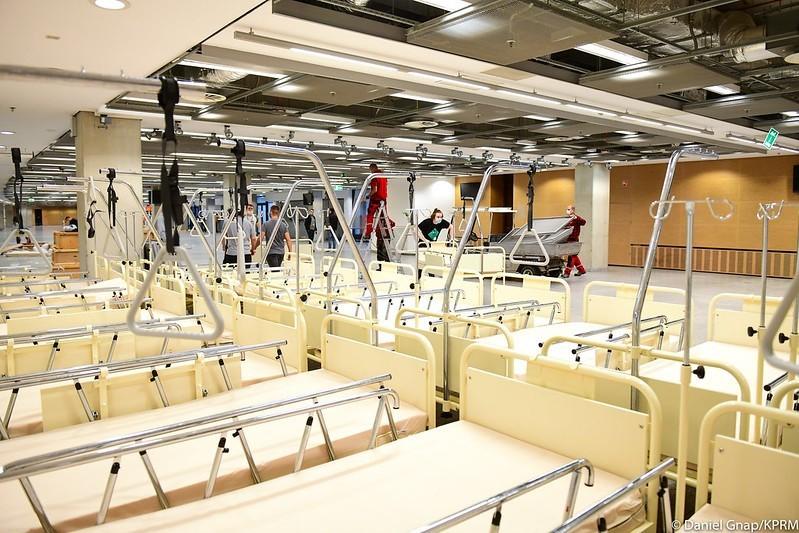 Stadion Narodowy zamienia się w szpital polowy. Przyjmie pacjentów zamiast sportowców NOWE ZDJĘCIA 25.10