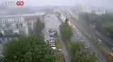 Burza w Łodzi. Wielkie oberwanie chmury w Łodzi. Ulewa zalała ulice! Zobacz zdjęcia z ulic 17 czerwca 2020