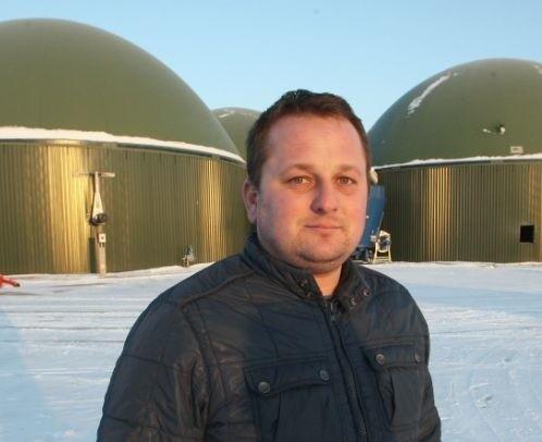 Biogazowania składa się z kilku budynków, które wyglądają dosyć kosmicznie.