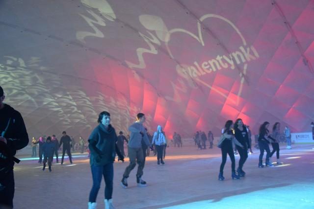 Walentynki na lodowisku w Gdańsku