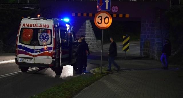 Policjanci uratowali w Miastku młodego mężczyznę, który stał na wiadukcie kolejowym