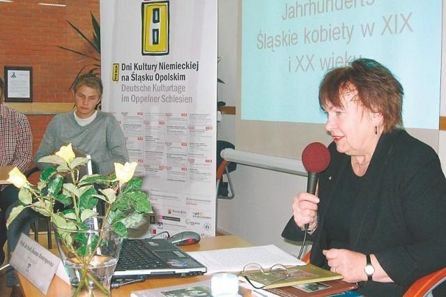Wykład o dzielnych paniach ze Śląska wygłosiła prof. Joanna Rostropowicz.
