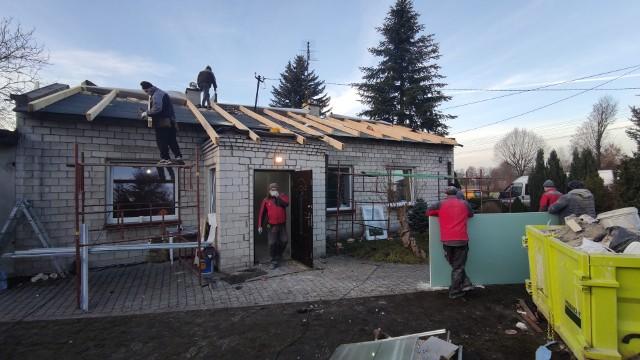 Nasz Nowy Dom w Poniatowie. Ekipa Polsatu zmienia życie czteroosobowej rodziny [ZDJĘCIA]