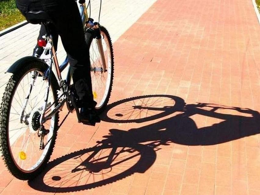 50 zł mandatu to kara za jazdę rowerem po chodniku lub chodzenie po ścieżce rowerowej