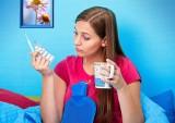 Popularny lek na przeziębienie wycofywany z aptek. Masz go w domu, nie zażywaj!
