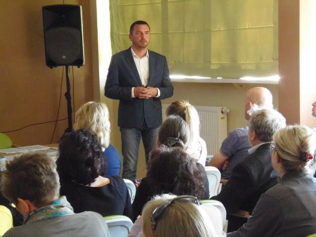 Robert Rejniak zachęcał, aby wprowadzić ten program w gminie Tuchola.