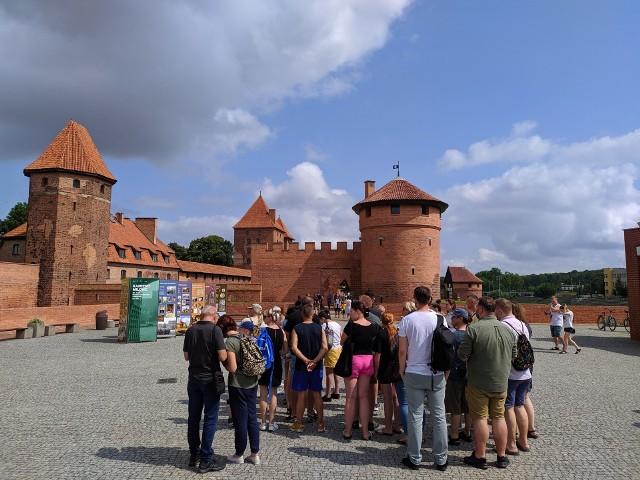 Mieszkańcy województwa śląskiego płacili bonami w różnych zakątkach Polski.
