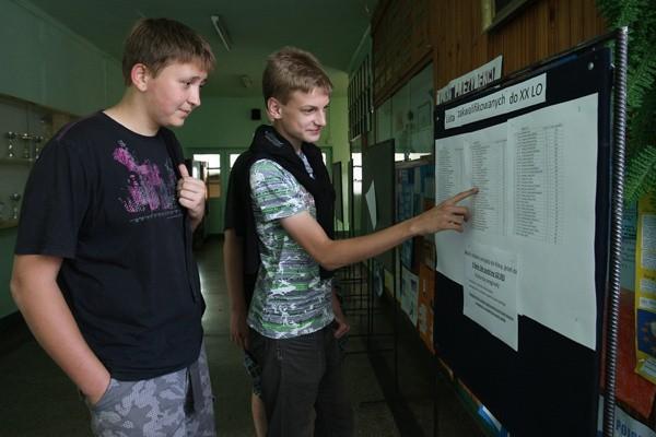 W związku z dużym zainteresowaniem nauką w liceach ogólnokształcących, w XX LO otwarta została jeszcze jedna klasa - zamiast trzech będą cztery klasy pierwsze.