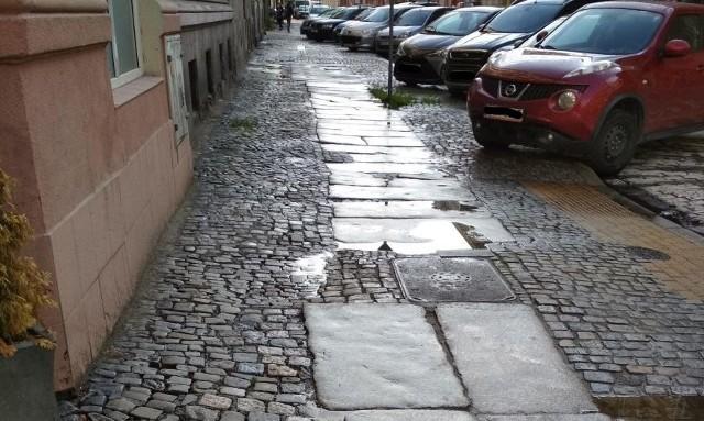Ulica Komuny Paryskiej we Wrocławiu.