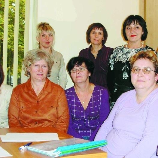 Pielęgniarki z Niebieskiego Parasola na spotkaniu z psychologiem rozmawiały, jak najlepiej pomagać chorym