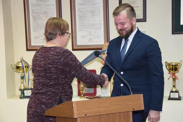 Z inicjatywy radnego Pawła Marwitza radni powiatowi zdecydowali o tym, że przekażą datki na konto szpitala