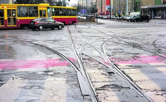 Nie wiadomo, czy ulica Dąbrowskiego uda się wyremontować w tym roku.