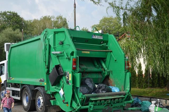 Od maja w gminie Proszowice drastycznie podrożeją opłaty za wywóz śmieci