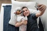 Rasy psów dla rodzin z dziećmi: Te czworonogi są cierpliwe i spokojne. Które rasy psów dobrze sprawdzą się w domu z dziećmi?