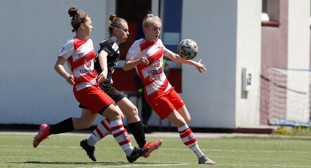 I Liga kobiet - SMS Resovia Rzeszów przegrała z Hydrotruck Radom 3:5.