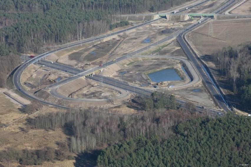 Jak wyglądają prace przy budowie drogi S6 w zachodniej...
