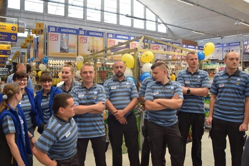 Tłumy na otwarciu supermarketu Mrówka w Suchedniowie (ZDJĘCIA)