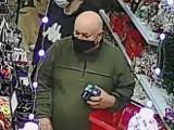 Krapkowice. Przywłaszczył telefon komórkowy w jednym z supermarketów na terenie miasta. Poszukuje go policja