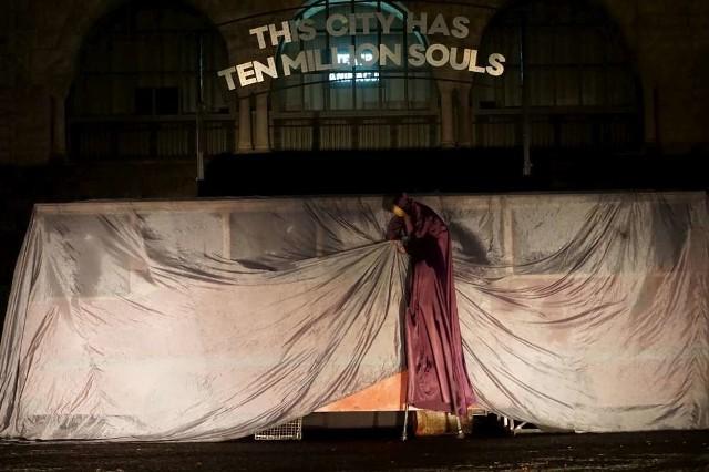 """Spektakl Teatru Biuro Podróży """"Silence – cisza w Troi"""""""