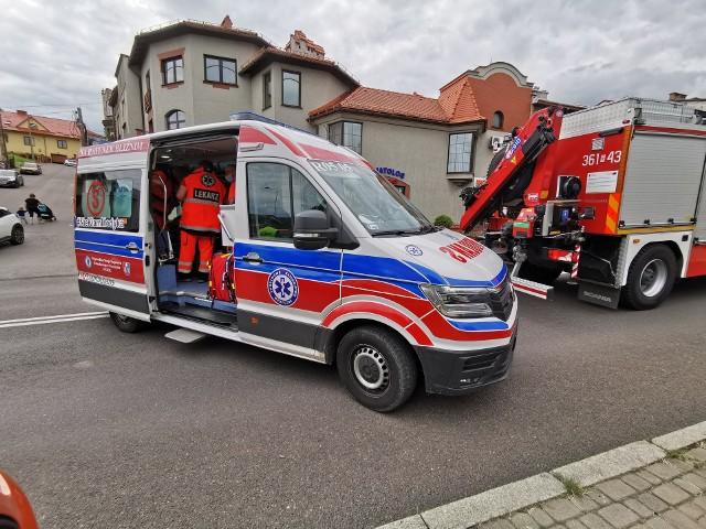 Po południu, na ul. 3 Maja w Przemyślu, doszło do zderzenia dostawczego forda z renault. Pogotowie zabrało do szpitala mężczyznę jadącego osobówką. Na miejscu obowiązuje ruch wahadłowy.