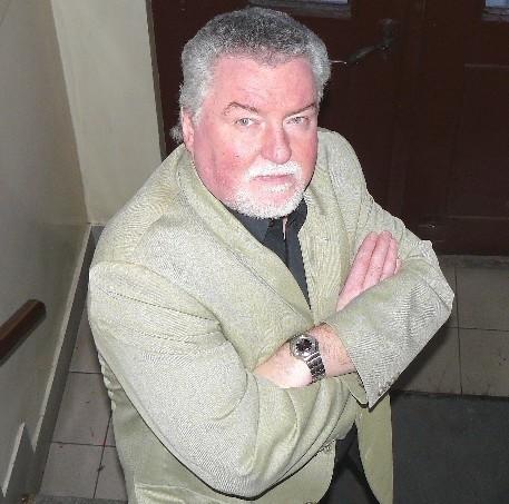 Jarosław Kaczmarek ma 51 lat. Jest działaczem PSL, burmistrzem jest od 1998 r. Przedtem był dyrektorem Zespołu Szkół Rolniczych.