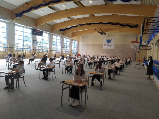 W czwartek egzamin z języka angielskiego napisali także uczniowie z Publicznej Szkoły podstawowej numer 1 imienia Komisji Edukacji Narodowej w Białobrzegach.