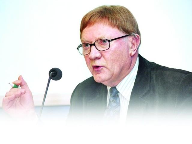 O jakiej pomocy dla głodujących mowa, skoro GMO doprowadziło do fali bankructw dziesiątki tysięcy ludzi?! - mówi prof. Ludwik Tomiałojć, ekolog, działacz partii zieloni 2004