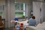 Proszowice. Przyszłość Oddziału Pulmonologii ciągle niepewna. Pacjenci się martwią. Dyrekcja szuka lekarzy chętnych do pracy