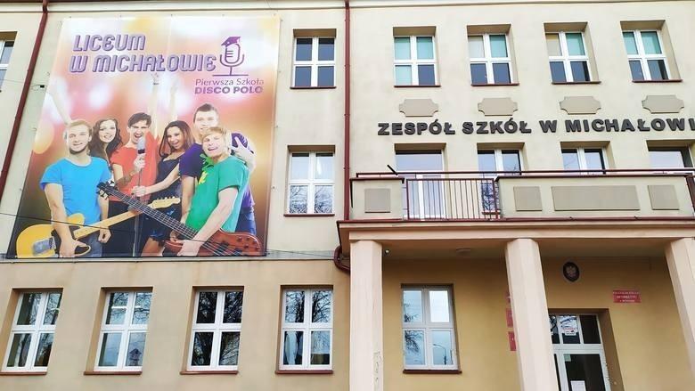 Zespół Szkół w Michałowie. To tu uczy się klasa estradowa,...