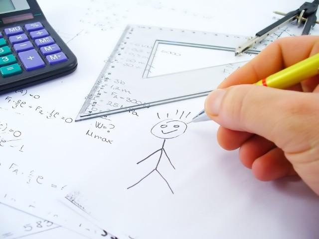 Próbny egzamin ósmoklasisty zapewnia miarodajną ocenę wiedzy i umiejętności uczniów na kilka miesięcy przed właściwym testem