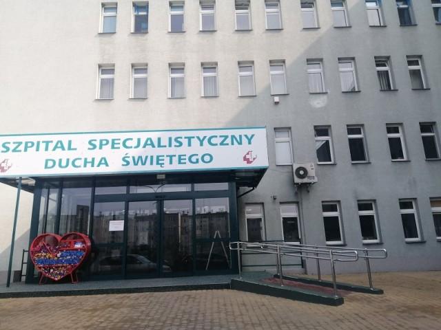 Sandomierski szpital zapewnił dodatkowe łóżka dla chorych zakażonych koronawirusem.